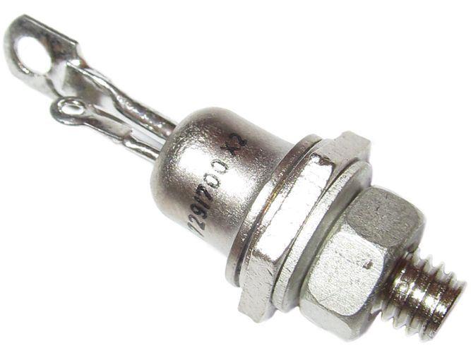 Triak KT729/900 900V/10A          TO64