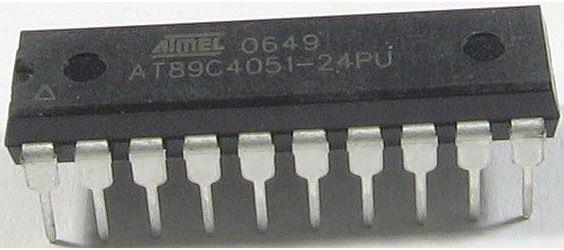 AT89C4051-24PU mikroprocesor 24MHz 4kB FLASH DIL20