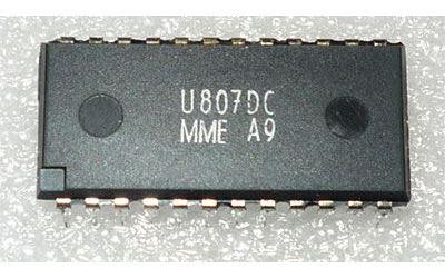 U807D /SAB3021/ - vysílač dálkového ovládání