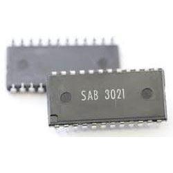 SAB3021 /U807D/ - vysílač dálkového ovládání, DIP24