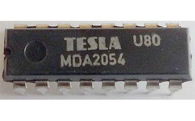 MDA2054 - sdružený obvod pro magnetofony, DIL16