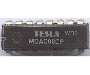 MDAC08CP - D/A převodník, DIL16