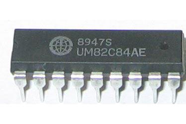 UM82C84 clock generator, DIP18