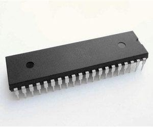 ICL7107CPL 3,5místný A/D převodník pro LED, DIL40