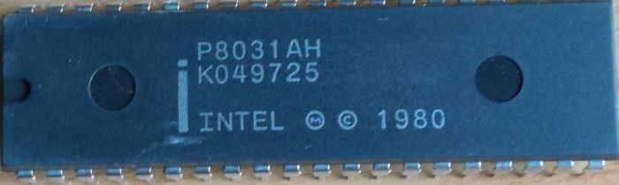 8031AH-2 - 8-bit microcontroler, DIL40
