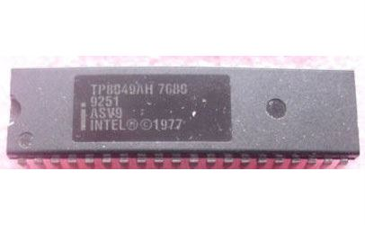 8049AH - 8-bit microcontroler, DIL40 Intel
