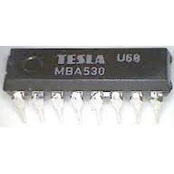 MBA530 - dekodér barev PAL, DIL16