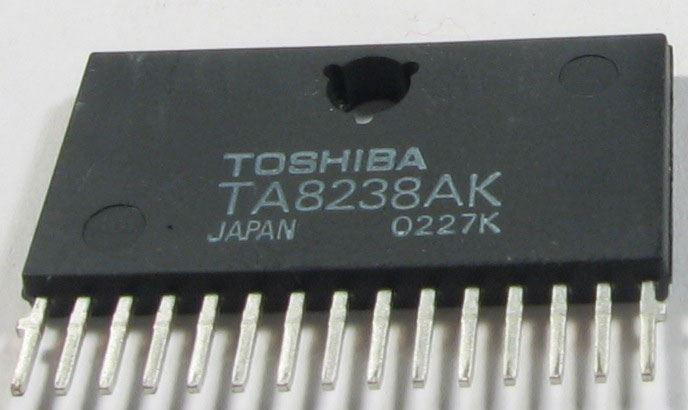 TA8238AK - nf stereo zesilovač 2x7,3W, HZIP15