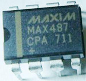 MAX487 - rozhraní RS422/RS487 DIL8