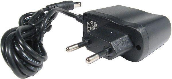 Napáječ, síťový adaptér 9V/0,6A spínaný, koncovka 5,5x2,1mm, GOODEX