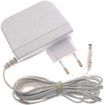 Napáječ, síťový adaptér DVE 12V/2A spínaný, koncovka 5,5x2,1mm