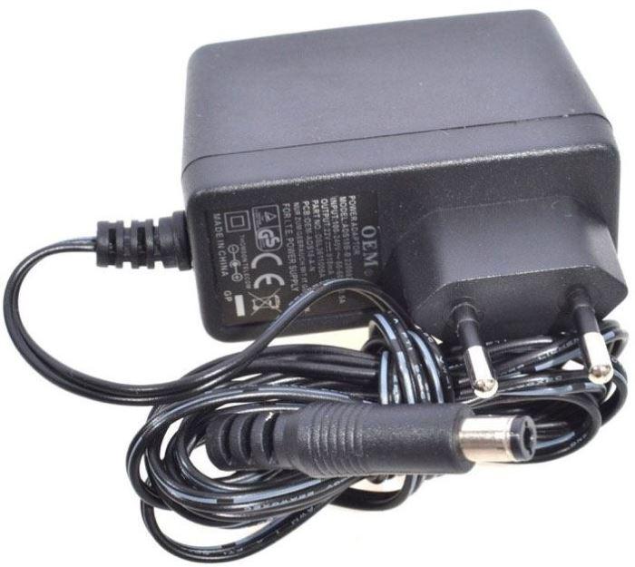 Napáječ, síťový adaptér OEM 15V/1A spínaný, koncovka 5,5x2,1mm