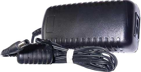Napáječ, síťový adaptér Freebox 9V/4A spínaný, konc. 5,5x2,5mm