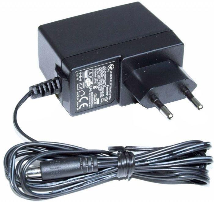 Napáječ, síťový adaptér LEI 12V/1,5A spínaný, koncovka 5,5x2,1mm