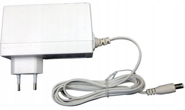 Napáječ, síťový adaptér LEI 12V/2,5A spínaný, koncovka 5,5x2,1mm