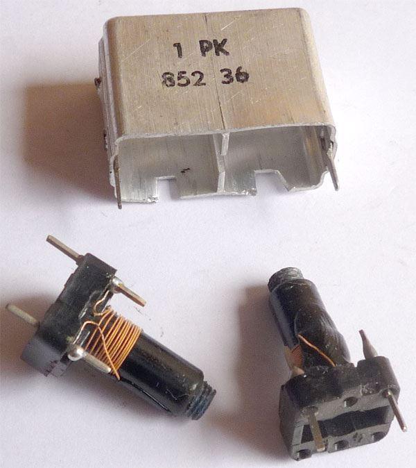 Cívka vf dvojitá 10x10x16mm, trn 5mm, feritové jádro, 1PK85236