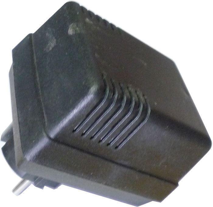Napáječ, síťový adaptér +-15V/0,066A nestabilizovaný bez kabelu