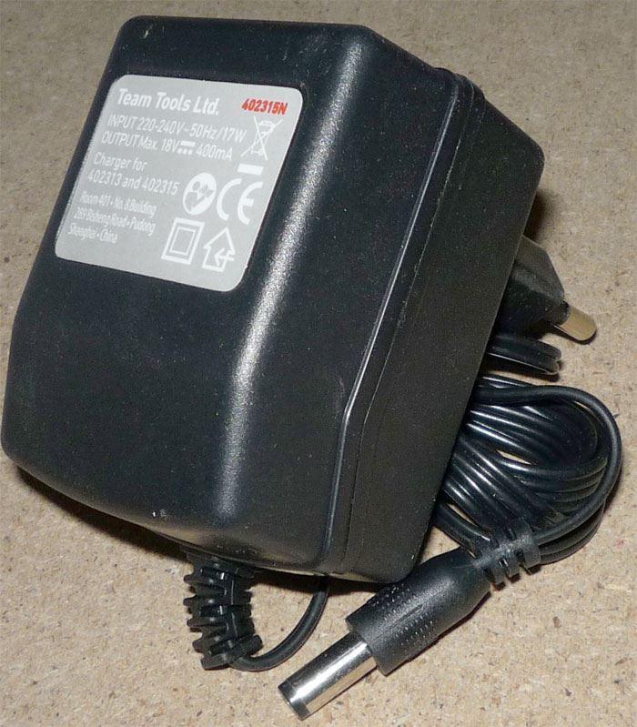 Napáječ, síťový adaptér 18V/400mA s transformátorem