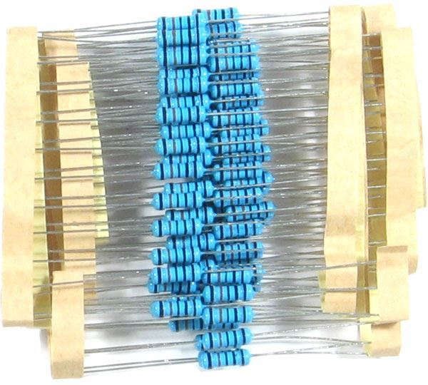 330k 0309, rezistor 0,5W metaloxid, 1%, balení 100ks
