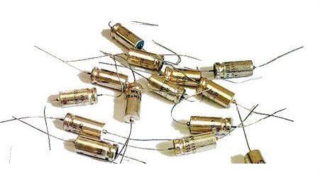 20u/25V TE154, tantalový kondenzátor