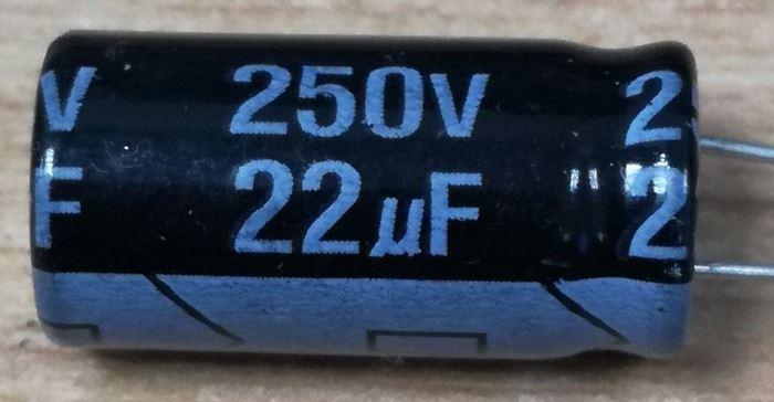 22u/250V 105° 10x21x5mm, elektrolyt.kondenzátor radiální