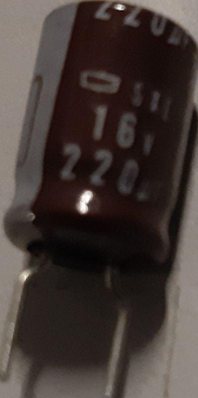 220u/16V 85° 8x12x3,5mm, elektrolyt.kondenzátor radiální