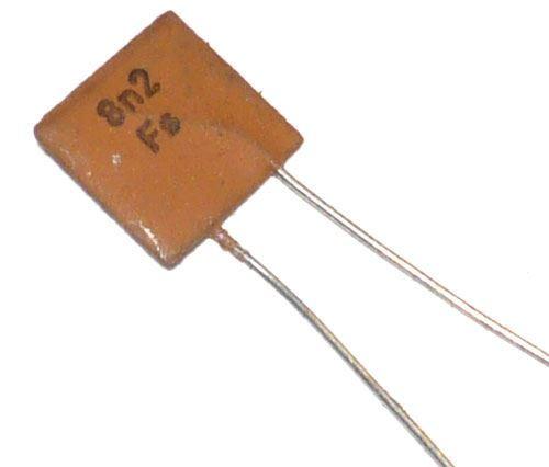 8n2/40V TK724, keramický kondenzátor