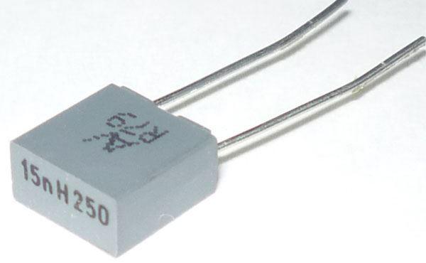 15n/250V MKT RM5 /~TC351/, svitkový kondenzátor radiální, RM=5mm