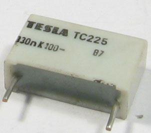 330n/100V TC225, svitkový kondenzátor radiální, RM=15mm