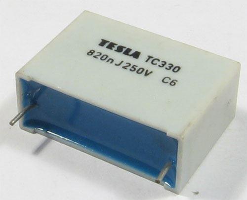 820n/250V TC330, svitkový kondenzátor radiální