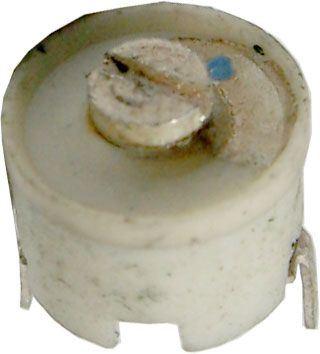 Kapacitní trimr 3-10pF keramický, průměr 10mm