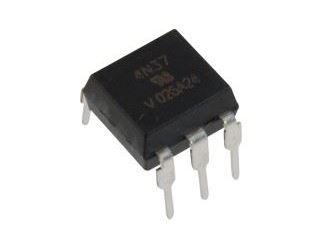 4N35 optočlen s tranzistorem,  5,3kV, CTR100% DIP6