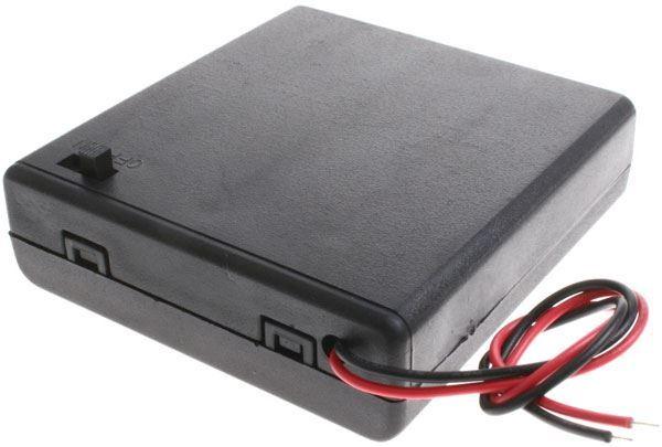 Držák baterie 4xR6/AA/UM3 s víčkem a vypínačem