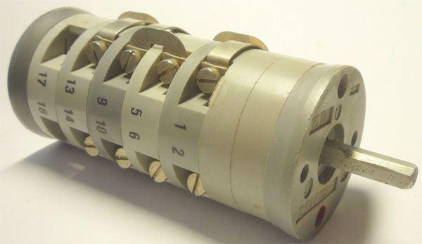 Vačkový spínač VS10 2303 A4, 10A/380V~, 4 polohy 90° bez dorazu