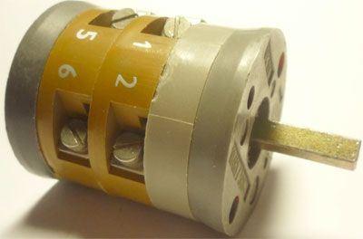 Vačkový spínač VS10 2202 C4, 10A/380V~, 3 polohy 90°