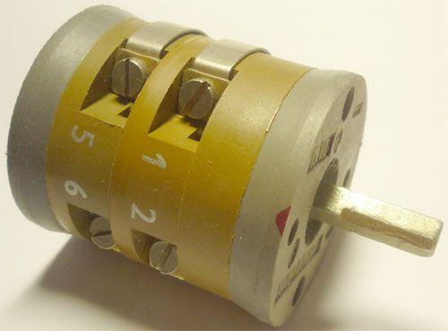 Vačkový spínač VS10 2252 D4, 10A/380V~, 2 polohy 90°