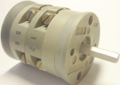 Vačkový spínač VS10 2202 A8, 10A/380V~, 3 polohy 45°