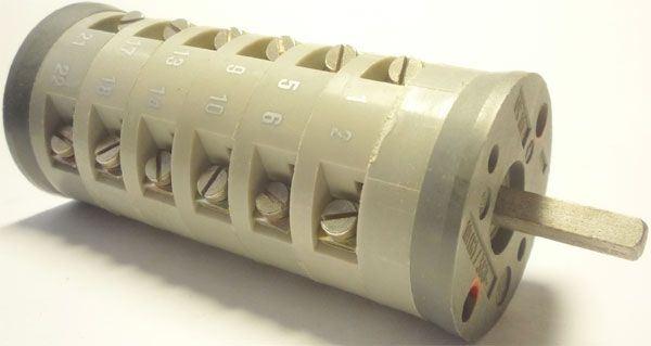 Vačkový spínač VS10 3017 A8, 10A/380V~, 3 polohy 45°