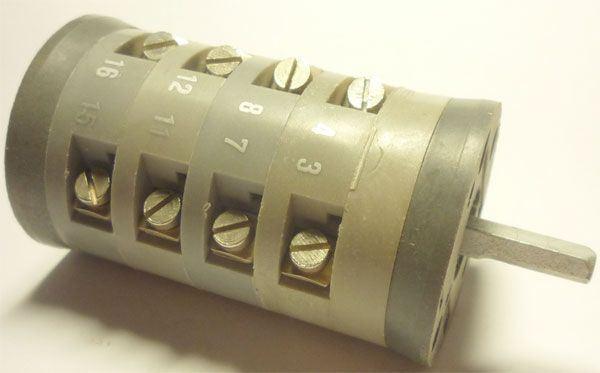 Vačkový spínač VS10 1254 D4, 10A/380V~, 2 polohy 90°