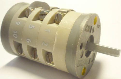 Vačkový spínač VS10 2551 B8, 10A/380V~, 5 poloh 30°