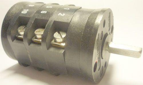 Vačkový spínač VS16 2203 V8, 16A/380V~, 3 polohy 45°