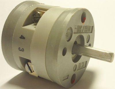 Vačkový spínač VS10 5201 B4, 10A/380V~, 3 polohy 90°