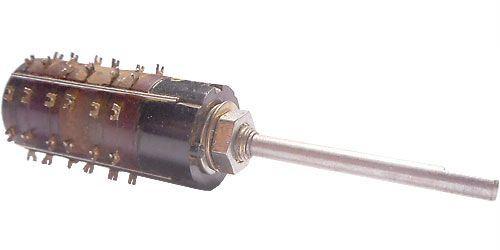 Přepínač otočný WK53310, 2-8poloh, 3pakety, hřídel 3x35mm