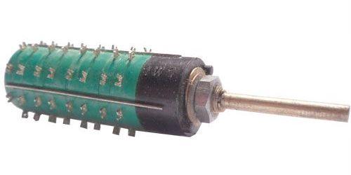 Přepínač otočný WK53307, 2-8poloh, 4pakety, hřídel 3x26mm