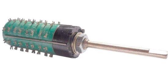 Přepínač otočný WK53327, 2-4polohy, 4pakety, hřídel 3x35mm