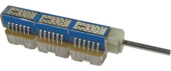 Přepínač otočný TS121 6131/12, 12 poloh, 3pakety, hřídel 3x25mm