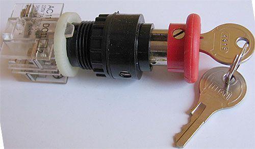 Tlačítko STOP se zámkem ENERGOINVEST červené, 230V/5A