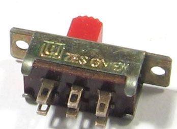 Přepínač posuvný ON-ON 2pólový, 24V/0,1A Unitra