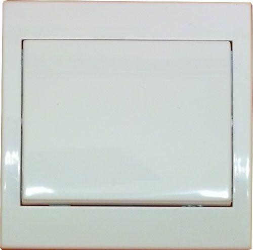 Vypínač č.1 plochý pod omítku PRAKTIK 4FN58000 bílý