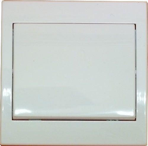 Vypínač č.6 plochý pod omítku PRAKTIK 4FN58005 bílý